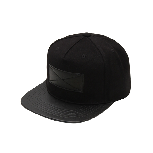 NATIONAL PUBLICITY내셔널 퍼블리시티_Leather Patch Snapback_Black