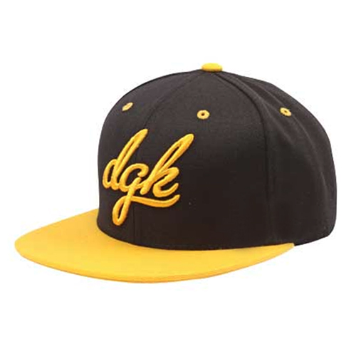DGK디지케이_Cursive Snapback - Black/Yellow