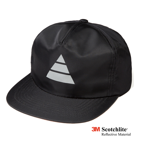 LEATA리타_Reflective triangle zip back 5 panel cap black