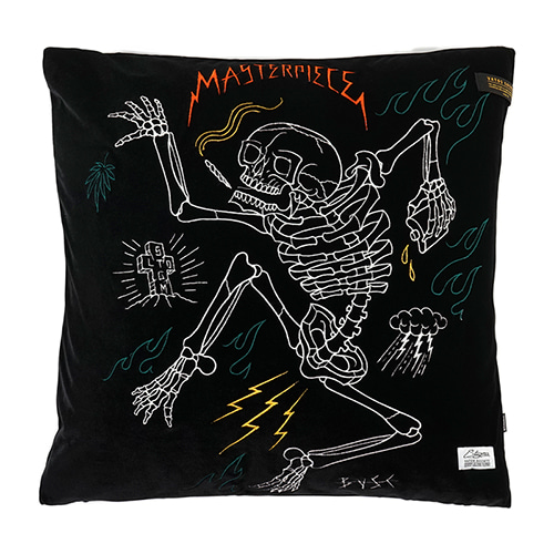 스티그마MASTERPIECE VELVET THROW PILLOW BLACK
